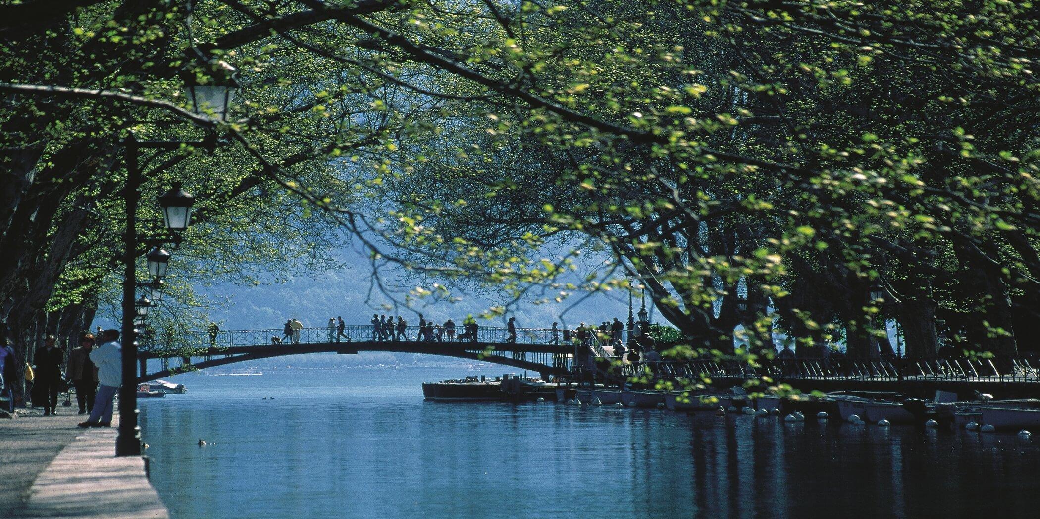 Pont des Amours - séjour romantique à Annecy