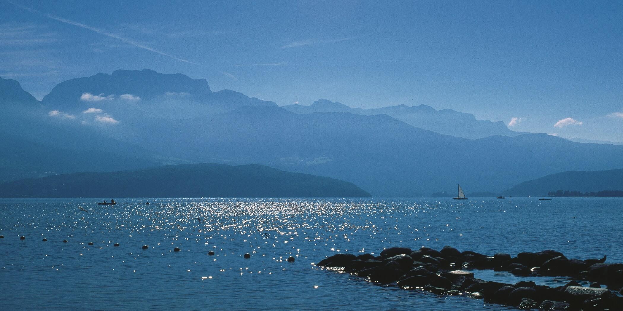 Lac d'Annecy - activités nautiques lors de vos vacances