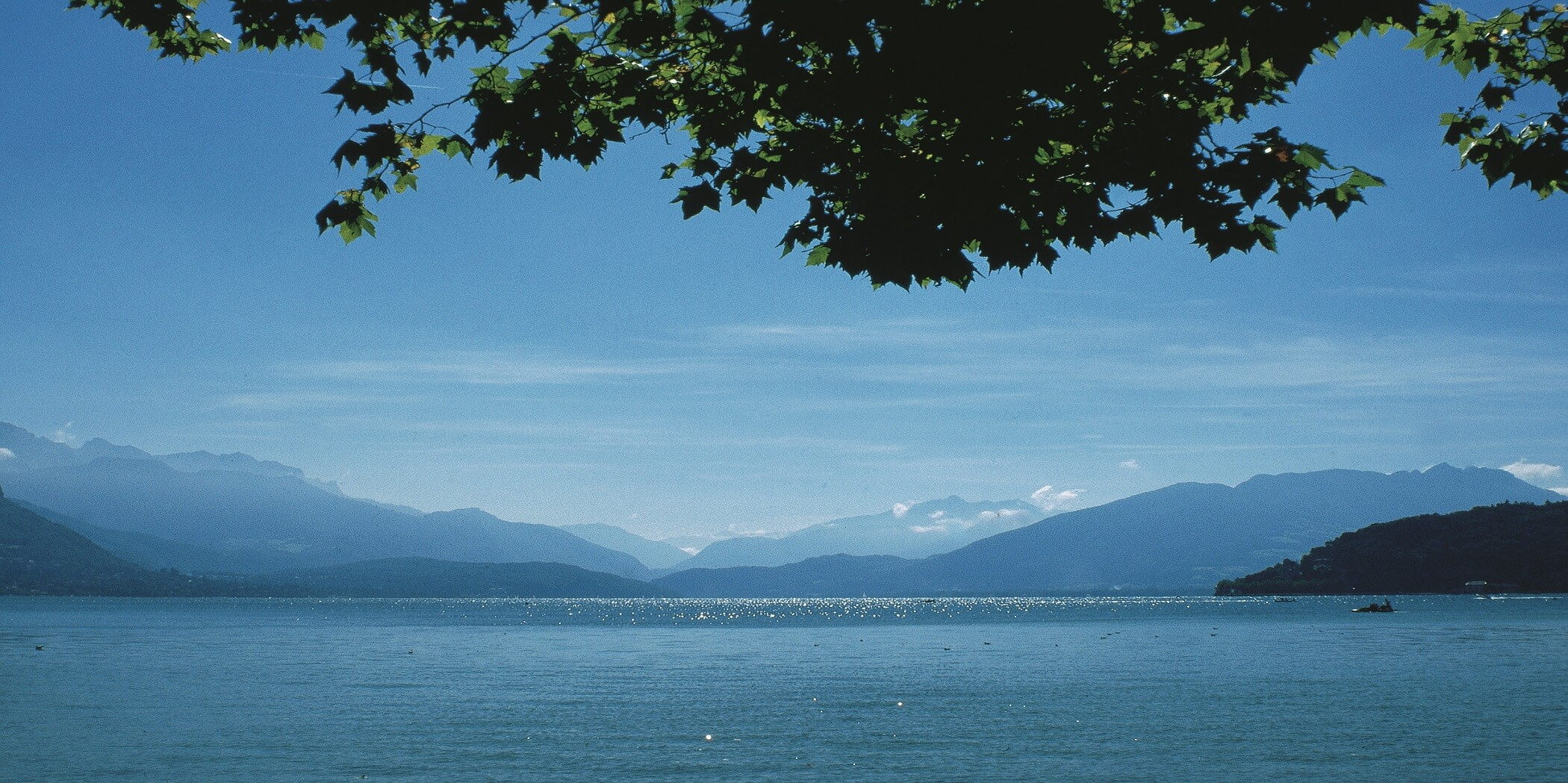 Lac d'Annecy depuis la baie d'Albigny