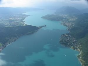 Le lac d'Annecy vue du ciel