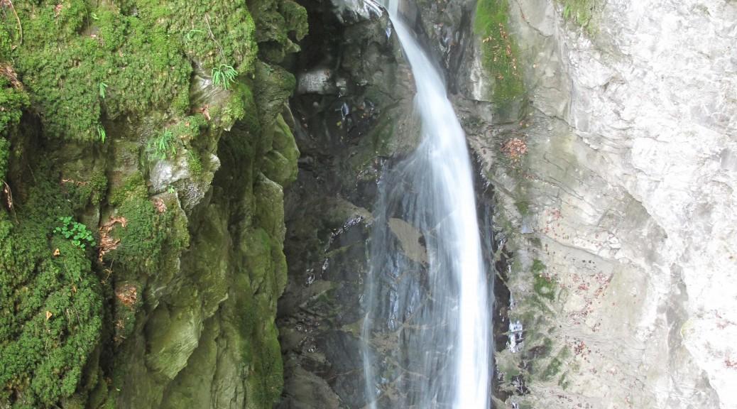 Les grottes et cascades de Seythenex non loin du lac d'Annecy