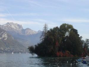L'île des Cygnes du lac d'Annecy